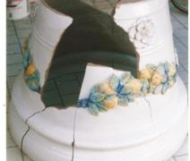 grande-vaso-in-maiolica-in-pezzi